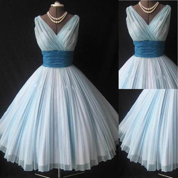 White Pleated V-Neck A-line Tulle Prom Dresses 2017