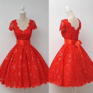 Red V-Neck Short Sleeves Knee-length Lace Prom Dresses 2018